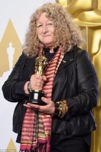 Jenny Beavan holding oscar